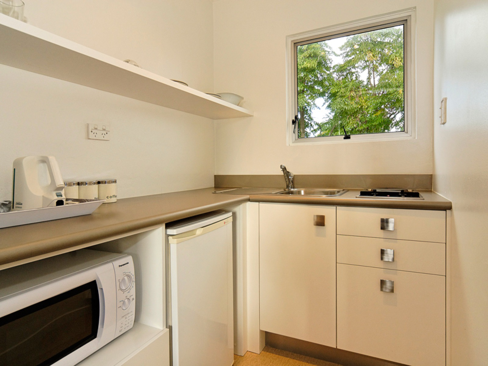 Mt-albert-sm-studio-kitchen-for-web.jpg