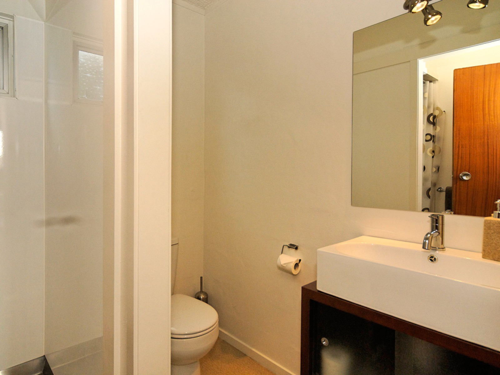 Mt-albert-sm-studio-bathroom-for-web.jpg